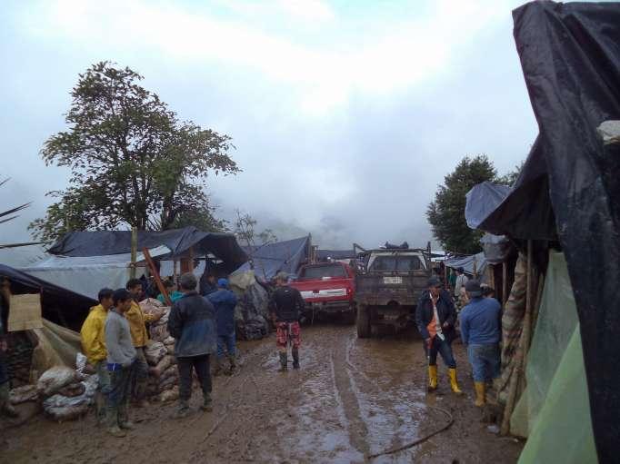 LA HORA mining for gold in Buenos Aires Ecuador