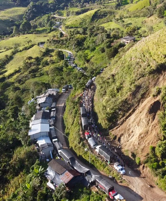 Juez dictamina que la filial de Rinehart en Ecuador no debe bloquear la vía pública